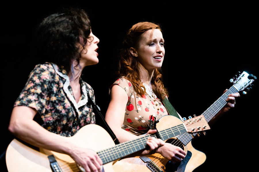 Woody Guthrie's American Song - Kathryn Markey, Janice Landry